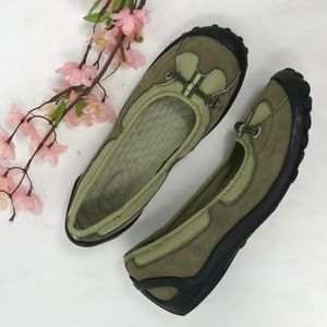 Clarks Privo Walking Flats Moss Green 7 M